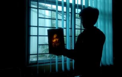 Wow…Ini Lukisan Berbahan Lakban Coklat Karya Mahasiswa IIB Darmajaya