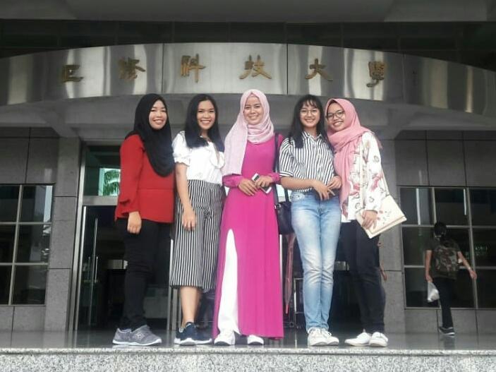 Kisah Belajar Lima Mahasiswi IIB Darmajaya di Taiwan : Bawa Abon, Garam Hingga Takjub Antri