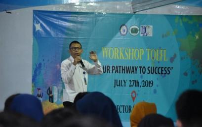 UKM Bahasa dan DLC Gelar Workshop, Ratusan Mahasiswa Darmajaya Belajar Taklukan TOEFL