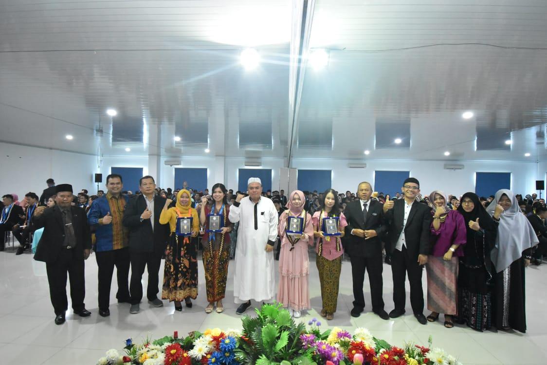 Yudisium Ratusan Calon Wisudawan/ti FEB IIB Darmajaya, Ini Pesan Dekan