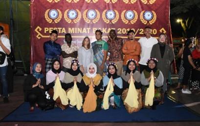 Pesta Minat Bakat Tampilkan Tarian, Mahasiswa Asing Darmajaya Suka Pertunjukannya