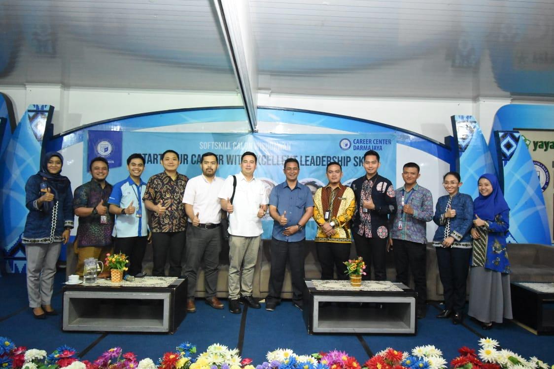 """Career Center IIB Darmajaya Bekali Ratusan Calon Wisudawan/ti Pelatihan """"Softskill"""""""