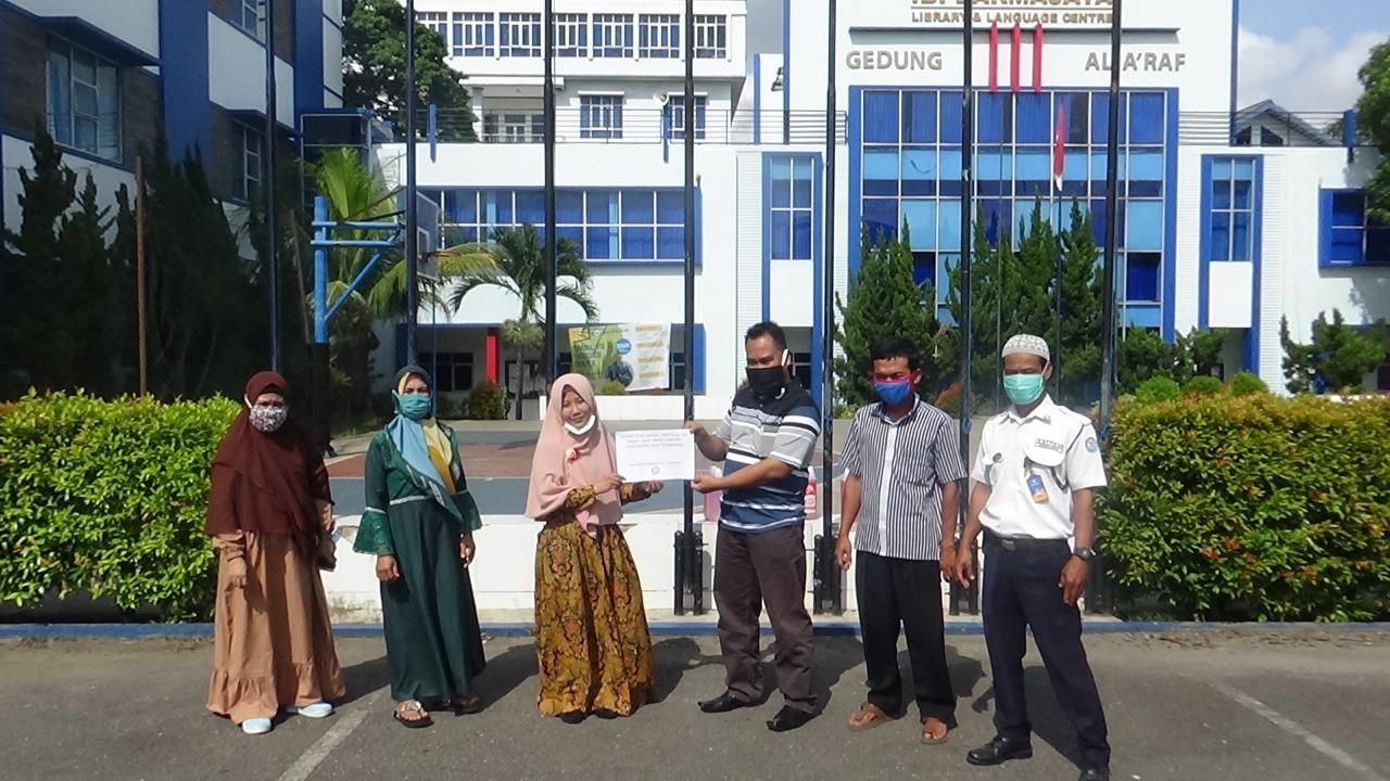 Cegah Penyebaran Covid-19, LP4M IIB Darmajaya Bantu UMKM Desa Binaan di Pesawaran