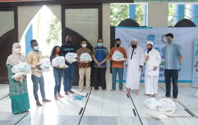 IIB Darmajaya Kembali Salurkan ZIS dalam Bentuk Paket Sembako