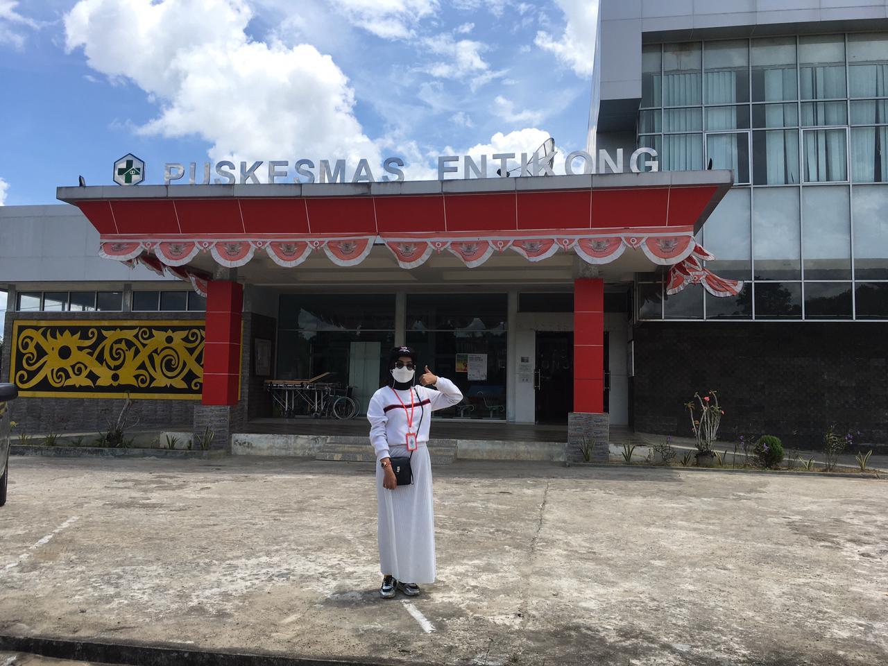 Bersama 22 Volunteer se Indonesia, Mahasiswi TI Ikuti Kegiatan Sosial Seminggu di Entikong