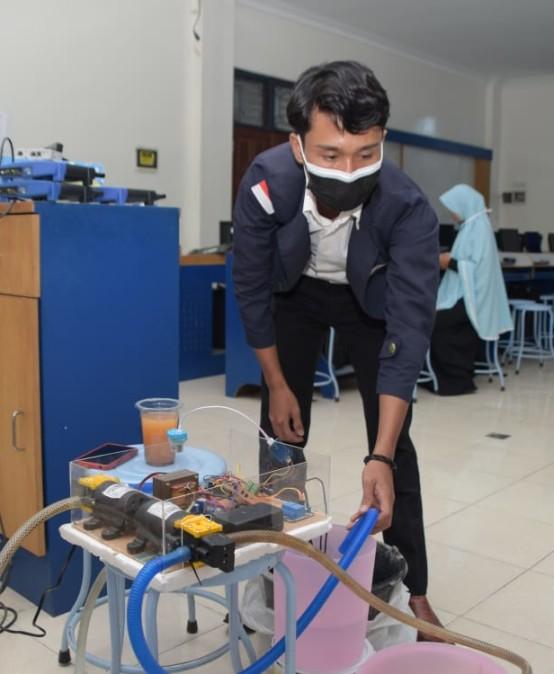 Bantu Pembudidaya Ikan, Mahasiswa Prodi Sistem Komputer ini Ciptakan Sistem Monitoring Air pada Budikdamber Berbasis IoT