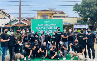 Bantu Sesama, Lazis IIB Darmajaya–DT Peduli Lampung Bagikan 122 Bingkisan