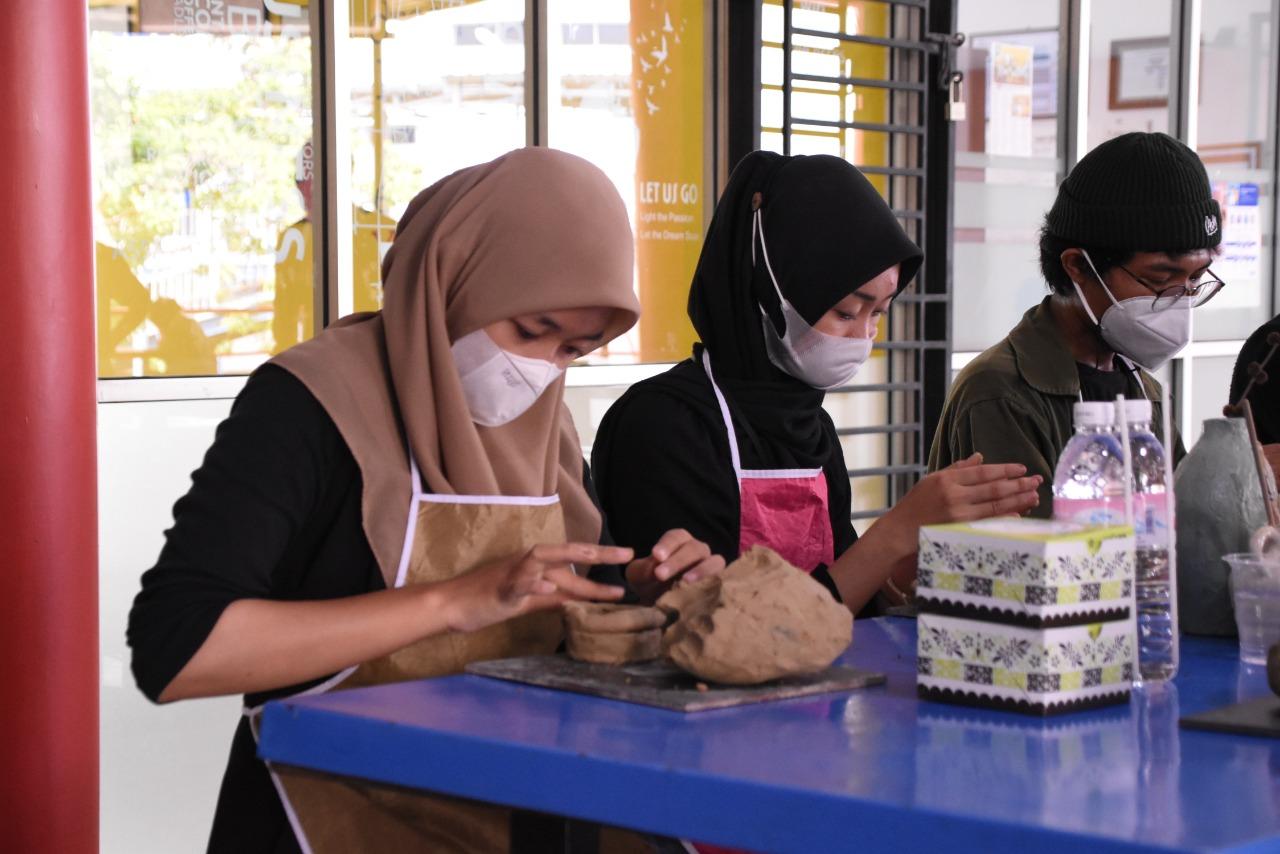 Prodi DKV PTS Terbaik di Lampung Gelar Workshop dalam Dialogue Art Exhibition