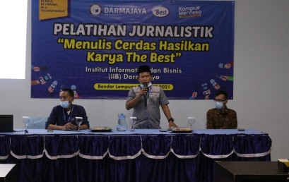 Berikan Kemampuan Menulis, Mahasiswa IIB Darmajaya Dapatkan Pelatihan Jurnalistik