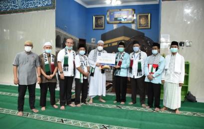 Sivitas Akademika IIB Darmajaya Serahkan Donasi Palestina Melalui DT Peduli