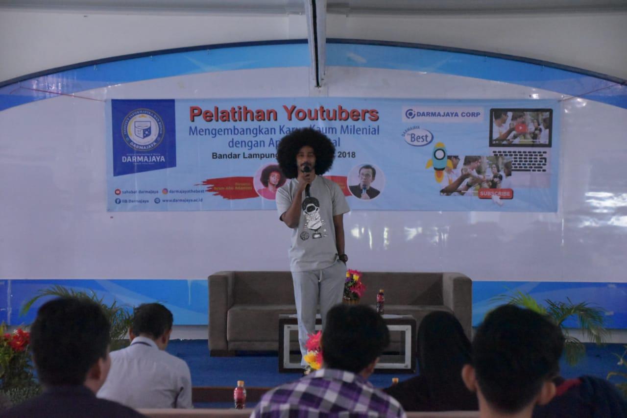 IIB Darmajaya Latih Mahasiswa Jadi Youtuber Handal
