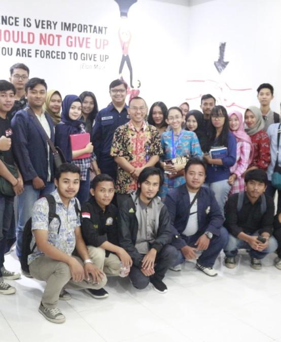 Telkomsel Sambut Baik Kunjungan Technopreneur Mahasiswa IIB Darmajaya