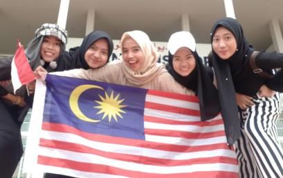Mahasiswi IIB Darmajaya Kuliah di Malaysia : Home Sick, Dosen Humble Hingga Makanan Aneh