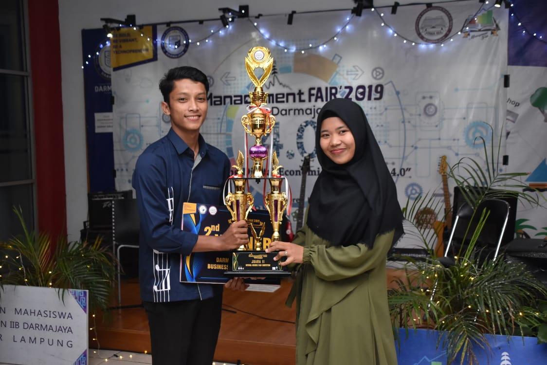 Telkom University Raih Piala Bergilir Manajemen Fair 2019 IIB Darmajaya