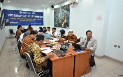 Jurusan SKTK IIB Darmajaya Gelar Workshop Kurikulum Sesuai Revolusi Industri 4.0