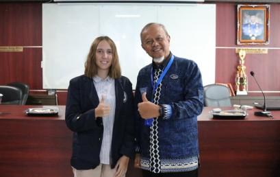 Mahasiswa Asing Semakin Minati Kuliah di IIB Darmajaya