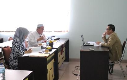Rektor IIB Darmajaya Uji Tesis CEO Radar Lampung TV