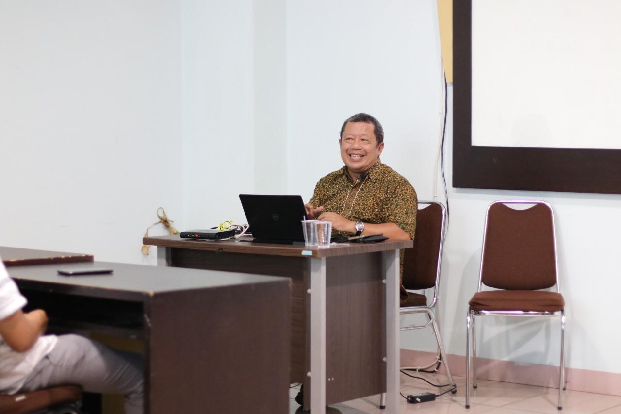 Dosen Tetap IIB Darmajaya Onno W Purbo Jadi Pembicara Pembelajaran Siber Kemdikbud RI