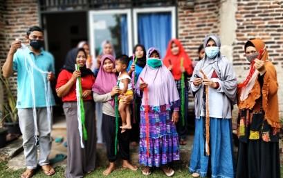 Pengabdian Masyarakat, Dosen Kampus Terbaik di Lampung Berikan Pelatihan Ibu Rumah Tangga di Desa Karanganyar