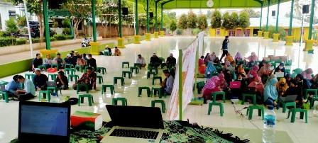 Dosen IIB Darmajaya Isi Workshop Pemanfaatan Teknologi Informasi di Masa Pandemi kepada Guru di Ponpes Darul Huffaz