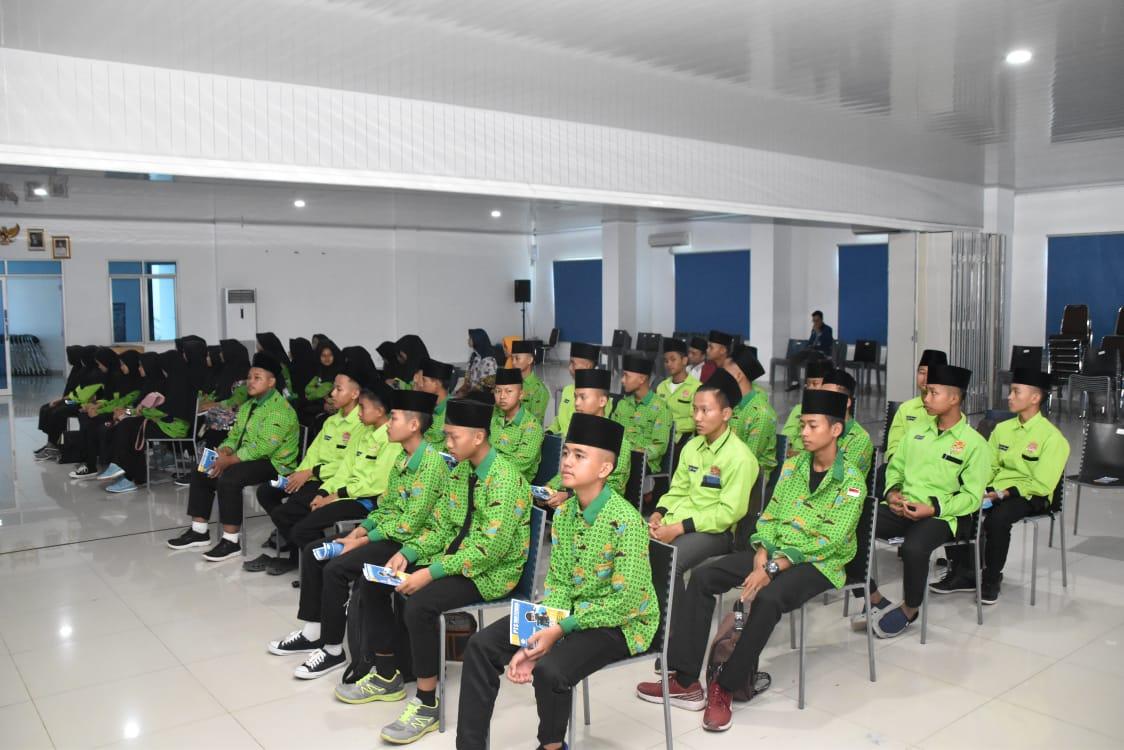Puluhan Pelajar SMK Tri Bhakti At-Taqwa Belajar ke IIB Darmajaya