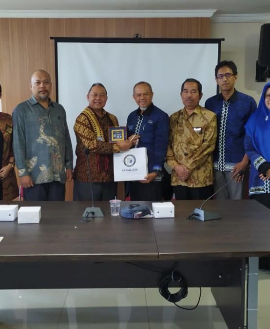 IIB Darmajaya – Universitas Pamulang Gelar FGD dan Jalin Kerjasama