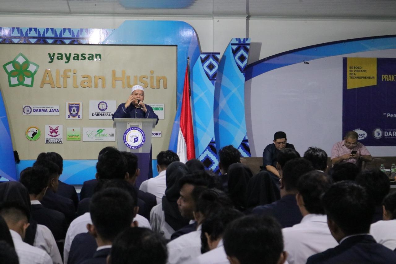 Kampus Biru Darmajaya Beri Pembekalan Kepada 145 Mahasiswa PKPM dan KP