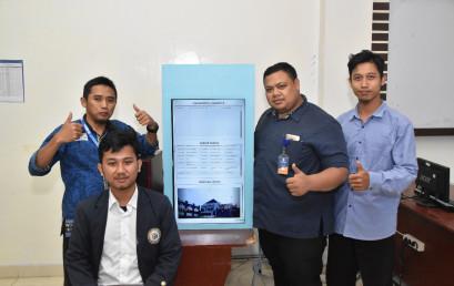 Mahasiswa IIB Darmajaya Ciptakan Papan Informasi Digital
