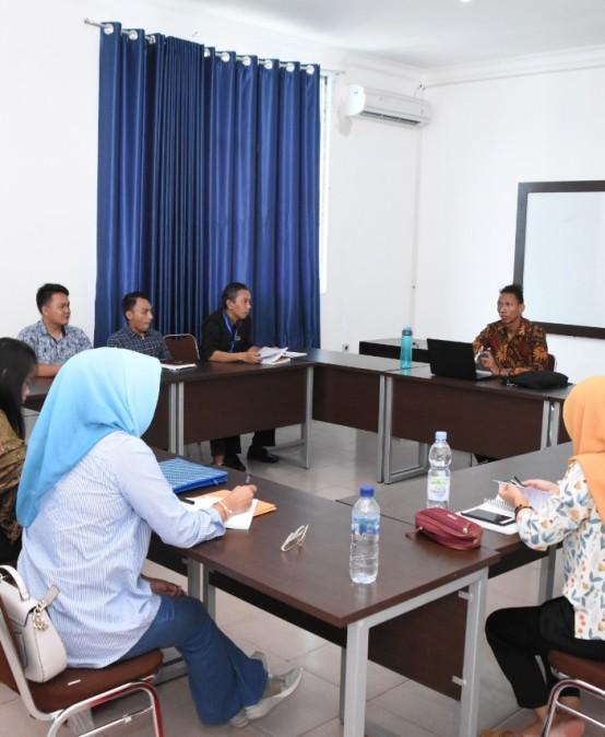 Mahasiswa Asing asal Madagaskar Sharing Ilmu kepada Mahasiswa Pascasarjana IIB Darmajaya