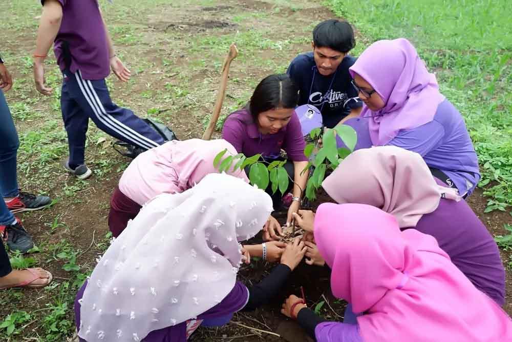Hima MA Darmajaya, Belajar Organisasi Sambil Tanam Pohon dan Baksos