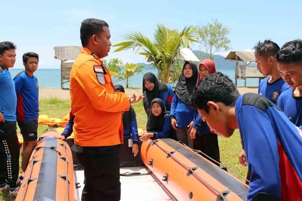 Tingkatkan Kecakapan, KSR Darmajaya Gelar Pelatihan Water Rescue
