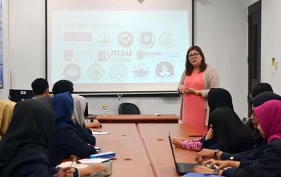 Dosen Philippines Beri Kuliah di Kelas Internasional Darmajaya