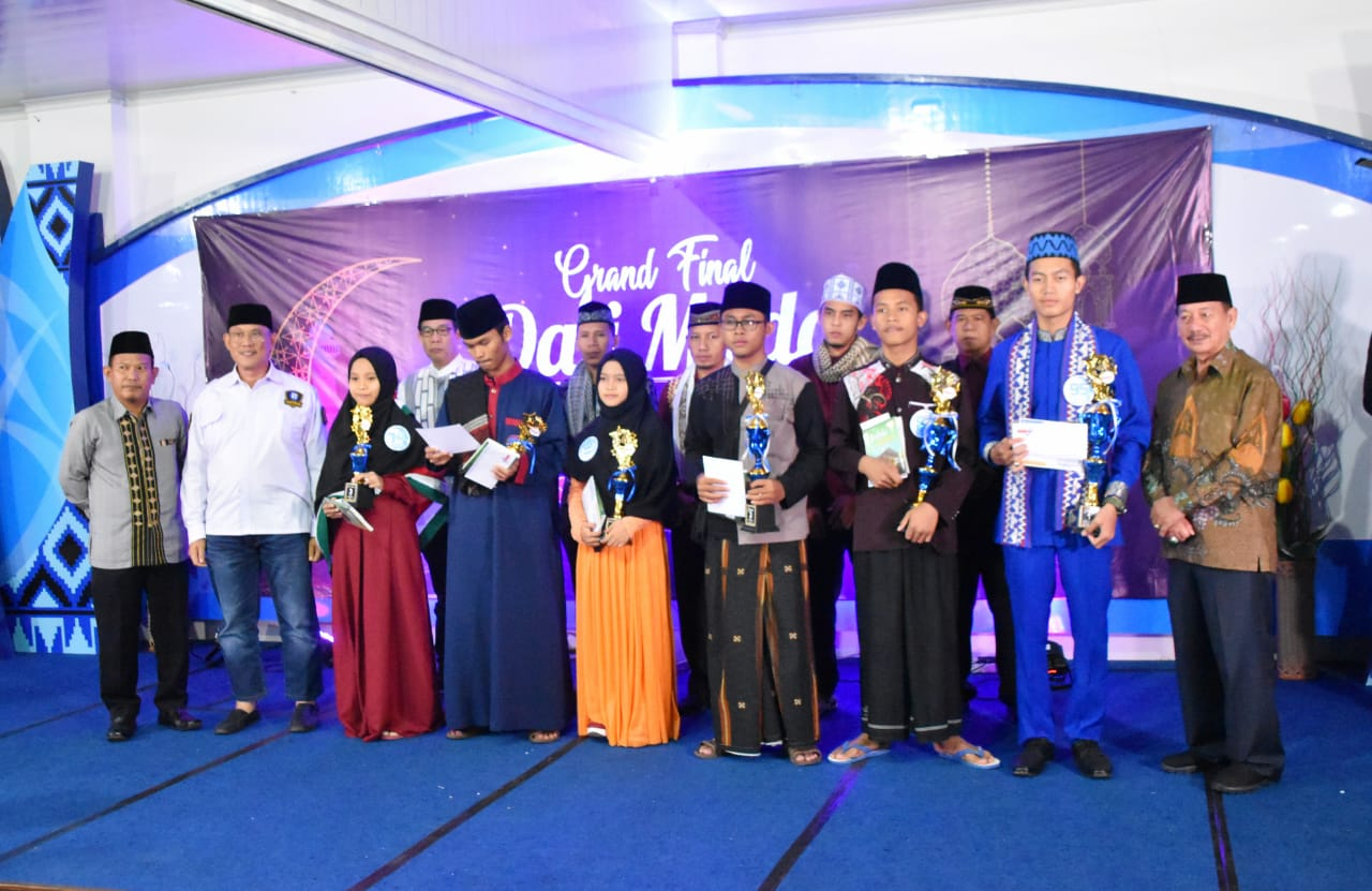 IIB Darmajaya Hadiahkan Beasiswa Kepada Juara Dai Muda