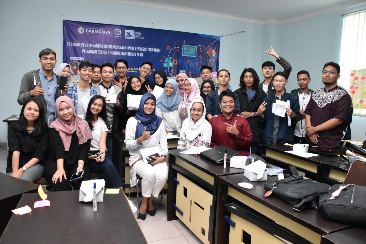 IIB Darmajaya Berikan Pelatihan Design Thinking dan Bisnis Plan untuk Puluhan Mahasiswa